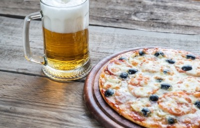 The Best Beverages To Pair With Your Pizza